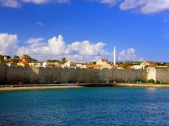 20_Greece.-Rhodes.-An-ancient-fortification-round-an-old-city