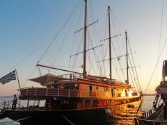 Galileo docked in Folegandros