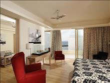 Knossos Beach Suites: Executive Suite with separate Living Room
