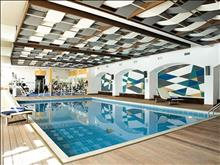 Corfu Holiday Palace: Indoor pool and Gym