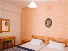 Chrysa Apartments Hotel: Double Room