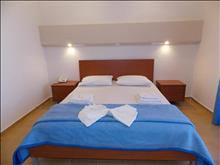 Mari Beach Hotel: Double Room