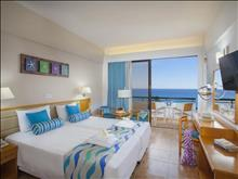 Cavo Maris Beach Hotel: Disabled Room