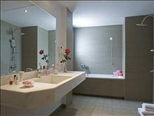 Mare Dei Suites Hotel Ionian Resort: Suite - bathroom
