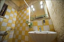 Dantes Maisonettes: Bathroom