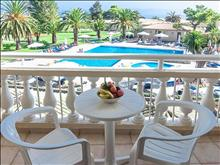 Messonghi Beach Resort: comfort-twin-pool-view
