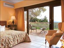 Grecotel Corfu Imperial Exclusive Resort: Family Maisonette master bedroom