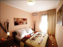 Kassandra Village Luxury Resort: DE LUXE TWO BEDROOM LUXURY SUITE APARTMENT WITH PRIVATE POOL AND HYDROMASSAGE