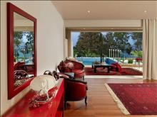 OUT OF THE BLUE, Capsis Elite Resort, Exclusive Collection : Junior suite with private pool