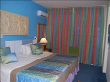 The Caravel Hotel