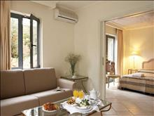Grecotel Plaza Spa Apartments: Maisonette 2 Brooms